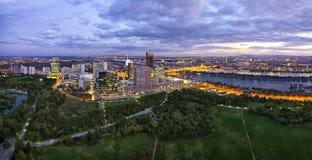 Ville Vienne de Donau chez le Danube photo libre de droits