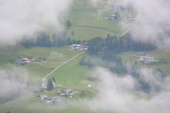 Villes dans les Alpes bavarois photographie stock