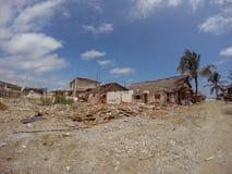 Villes de côte détruites par le tremblement de terre massif en Equateur Photos stock