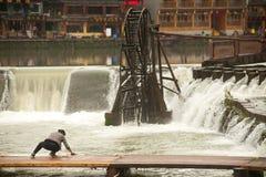 Villlagers domycie wzdłuż rzeki każdy dzień Obraz Stock