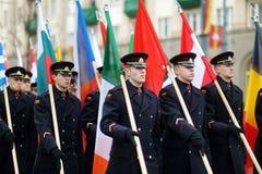 VILNA, LITUANIA - 11 DE MARZO DE 2015: Desfile festivo como Lituania marcó el 25to aniversario de su restauración de la independe Imagen de archivo libre de regalías
