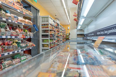 VILNA, LITUANIA - 10 DE NOVIEMBRE DE 2016: Maxima Shop Mall en Lituania Una de las tiendas más populares de Lituania Imagenes de archivo