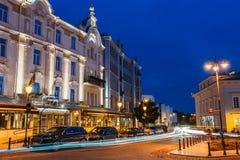 Vilna Lituania Iluminación de Radisson Blu Royal Astorija Hotel On Imágenes de archivo libres de regalías