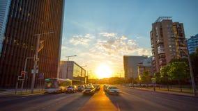 Vilnius, Λιθουανία - το Μάιο του 2018 circa: Ηλιοβασίλεμα σε στο κέντρο της πόλης, χρόνος-σφάλμα φιλμ μικρού μήκους