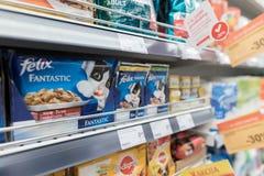 VILNIUS, ΛΙΘΟΥΑΝΙΑ - 10 ΝΟΕΜΒΡΊΟΥ 2016: Λεωφόρος καταστημάτων μεγίστων στη Λιθουανία Ένα από τα δημοφιλέστερα καταστήματα στη Λιθ Στοκ Φωτογραφία