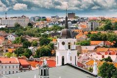 vilnius της Λιθουανίας Πύργος κουδουνιών κοντά στη βασιλική καθεδρικών ναών του ST ST Στοκ Φωτογραφίες