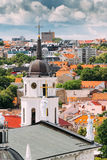 vilnius της Λιθουανίας Πύργος κουδουνιών κοντά στη βασιλική καθεδρικών ναών του ST ST Στοκ Εικόνες