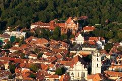 Vilnius-alte Stadt von oben Lizenzfreie Stockfotos
