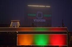 Vilnius - capital de Lituânia na noite imagem de stock