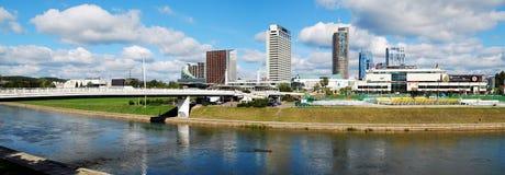 Vilnius centrum miasta z drapaczami chmur na Wrześniu 24, 2014 Zdjęcia Stock