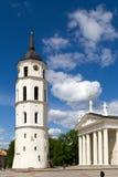 Vilnius-Glockenturmturm und Kathedralenfragment Lizenzfreies Stockbild