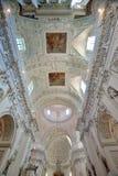 Vilnius - Kerk van Sts Peter en Paul stock foto's