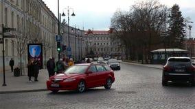 Vilnius, Litauen - 11. April 2019: Straße der alten Stadt von Vilnius stock footage