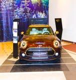 VIlnius Litauen - Januari 01, 2017: Mini Cooper Clubman ställde ut på köpcentret Gedimino 9 Arkivbilder