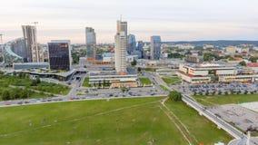 VILNIUS LITAUEN - JULI 20, 2017: Flyg- cityscape Vilnius på Arkivfoto