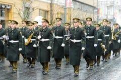 VILNIUS, LITAUEN - 11. MÄRZ 2017: Festliche Parade, wie Litauen den 27.jahrestag seiner Unabhängigkeitswiederherstellung markiert Stockfotografie