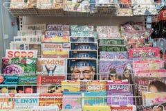 VILNIUS LITAUEN - NOVEMBER 10, 2016: Maxima Shop Mall i Litauen En av det populärast shoppar i Litauen Tidskrift Sectio Arkivfoton