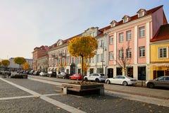 Vilnius, Litauen - 5. November 2017: Stadt Hall Square in der Herbstzeit Lizenzfreies Stockbild