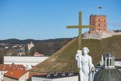 Vilnius, Litauen Vogelperspektive in Vilnius Panorama von Vilnius: Gediminas-Schloss, Neris-Fluss, alte Stadt und andere Gegenstä Stockfotos
