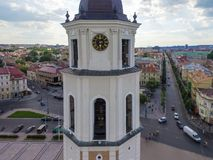 VILNIUS LITHUANIA, CZERWIEC, - 03, 2016: Vilnius katedry Kwadratowy i Dzwonkowy wierza Lithuania Fotografia Royalty Free
