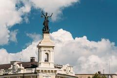 Vilnius, Lithuania Estátua de uma mulher com uma lanterna em suas mãos Foto de Stock Royalty Free