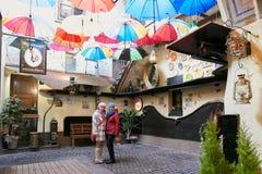 Vilnius Lithuania, Listopad, - 5, 2017: Wewnętrzny projekt kawiarnia Zdjęcia Royalty Free
