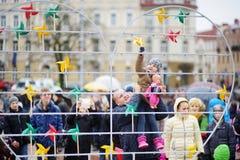 VILNIUS LITHUANIA, MARZEC, - 11, 2016: Ludzie bierze części w świątecznych wydarzenia jako Lithuania zaznaczali 26th rocznicę swó Zdjęcia Stock