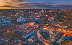 VILNIUS, LITHUANIA - widok z lotu ptaka Vilnius stary miasto obrazy stock