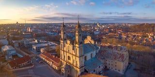 VILNIUS, LITHUANIA - widoku z lotu ptaka Misionieriai kościół obrazy royalty free