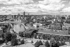 Vilnius, Lithuanie - 19 juillet 2016 : Vue à partir du dessus de la colline de Gedimias Image stock