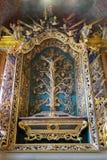 Vilnius, Lithuanie - 5 mai 2017 : intérieur de vintage la chapelle de l'église de St Johns, Vilnius Photographie stock libre de droits