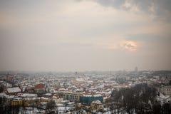 Vilnius/Litouwen - December 8, 2013: De sneeuw Viln van de de winterochtend Stock Foto