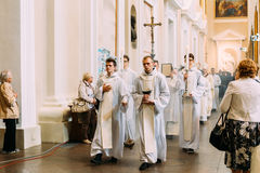 Vilnius, Litouwen - Juli 6, 2016: Optocht in Kathedraalbasilicum Stock Fotografie