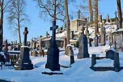 Vilnius, Litouwen - Maart 4, 2018 Oude begraafplaats in Vilnius stock afbeelding