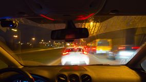 Vilnius, Lituânia - conduzindo no carro nas horas de ponta da manhã, tempo-lapso filme