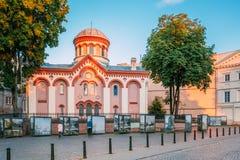 Vilnius Lituânia Primeira igreja ortodoxa do russo da exposição da foto do St Paraskeva In Neo-Byzantine Style And perto dela den fotografia de stock