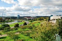 Vilnius miasta panorama z rzecznym Neris na Wrześniu 24, 2014 Fotografia Royalty Free