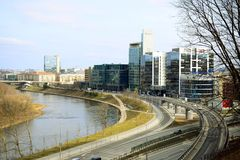 Vilnius miasta transport w Gelezinis Vilkas ulicie Zdjęcia Stock