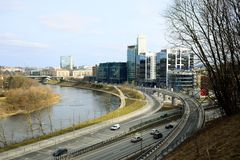 Vilnius miasta transport w Gelezinis Vilkas ulicie Obrazy Stock