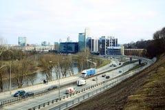Vilnius miasta transport w Gelezinis Vilkas ulicie Zdjęcie Royalty Free