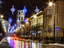 Vilnius-Mitte-Straße nachts lizenzfreies stockbild
