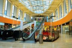 Vilnius Ozas schopping domowego centre wewnętrznego widok Zdjęcie Stock