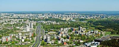 Vilnius stadshuvudstad av Litauen den flyg- sikten Arkivfoto