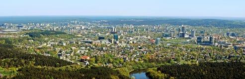 Vilnius stadshuvudstad av Litauen den flyg- sikten Fotografering för Bildbyråer