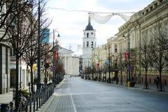Vilnius-Stadt Gediminas-Straße auf Morgenzeit Stockbild
