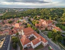 Vilnius Stary miasteczko z St Anne& x27; s kościół zdjęcia stock