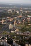 Vilnius TVtorn, Litauen bild som tas från luftbaloon Arkivfoto