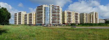 Vilnius vandaag. Nieuwe gebouwen bij perkunkiemis. stock afbeeldingen