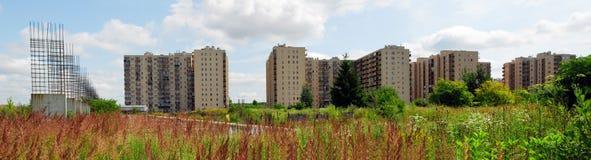 Vilnius vandaag. Nieuwe gebouwen en aard. Stock Fotografie