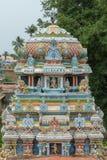 Vimanam court dans une pièce plus ancienne de temple Images libres de droits